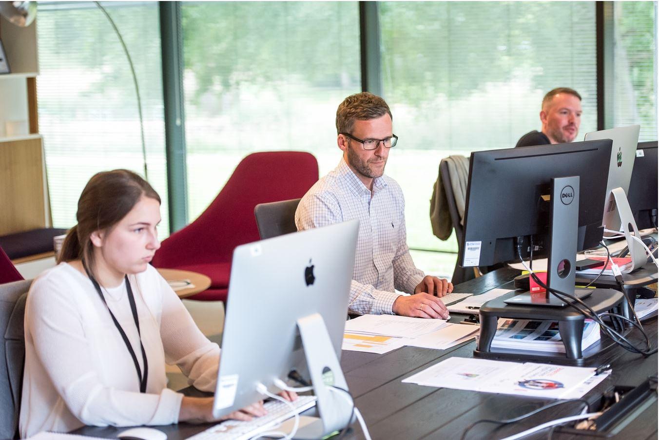 Read more about the article Care sunt așteptările angajaților pentru revenirea la birou